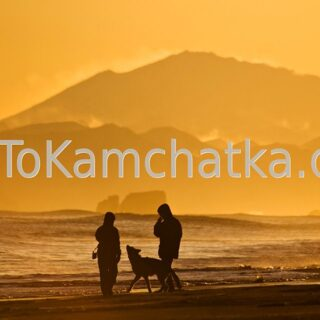 Kamchatka. Walk along the  black beach