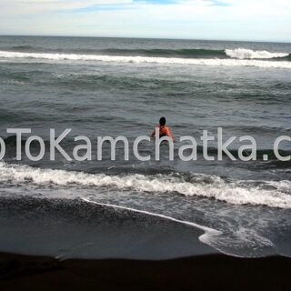 Kamchatka. Swim in the Pacific Ocean